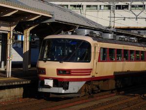 4017M・サンダーバード17号(高岡)