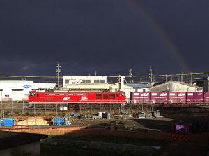 3092レ EF510-13と虹のコラボ