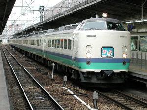 新潟行き雷鳥号・新カヌ485系